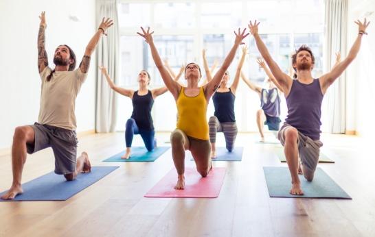 Yoga group lunge